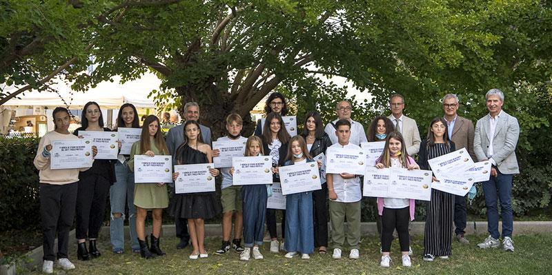 Gruppo TreValli Cooperlat: I figli dei dipendenti ricevono una borsa di studio
